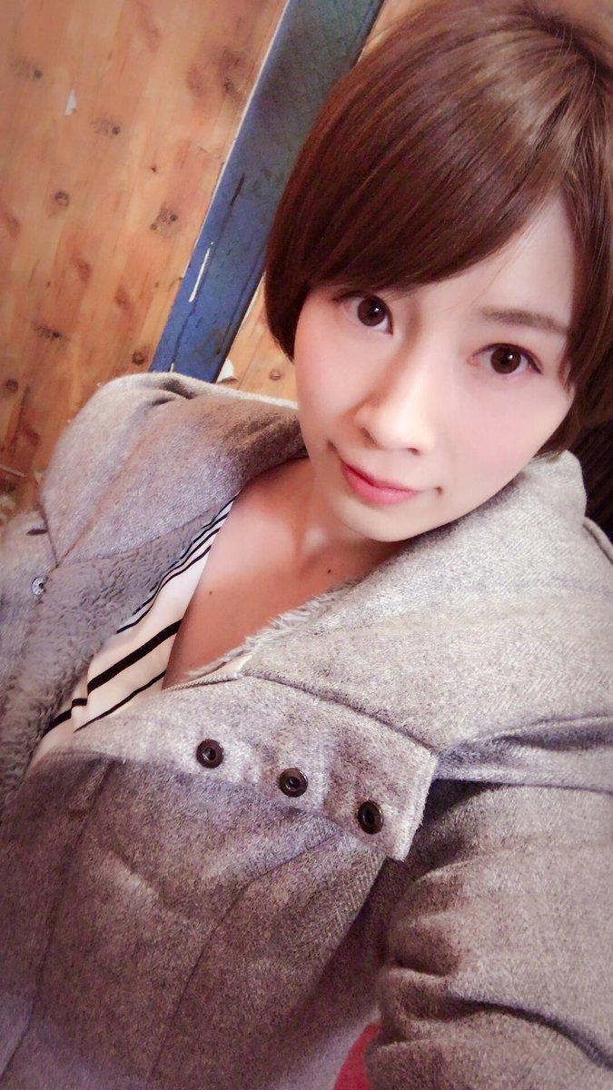 【奥田咲エロ画像】ミニマム美巨乳で剛毛持ちなお姉さん・奥田咲!(;´∀`)