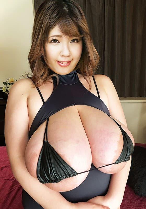 【優木いおりエロ画像】凄すぎるでも表現が足りない超乳の所有者・優木いおり!(;゚д゚)