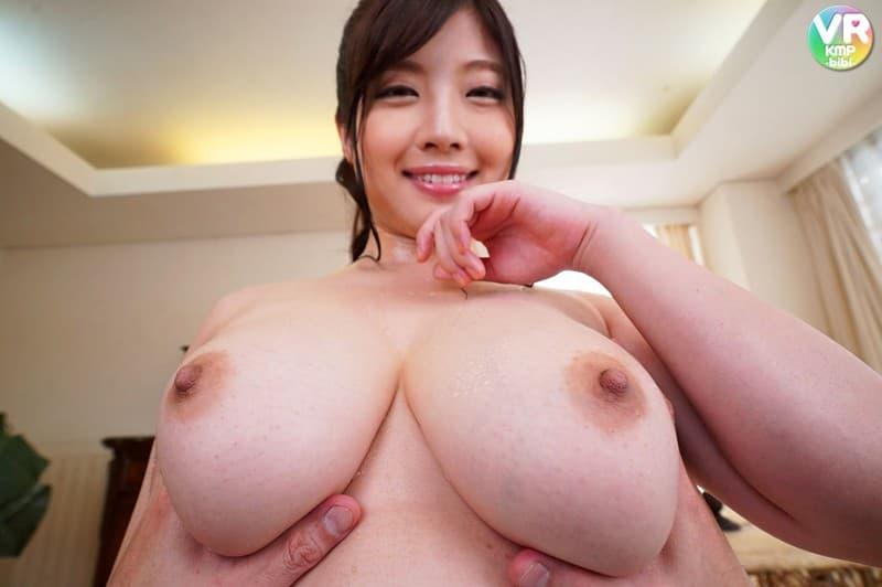 【中村知恵エロ画像】Kカップもあるムッチリ爆乳人妻・中村知恵!(;´∀`)