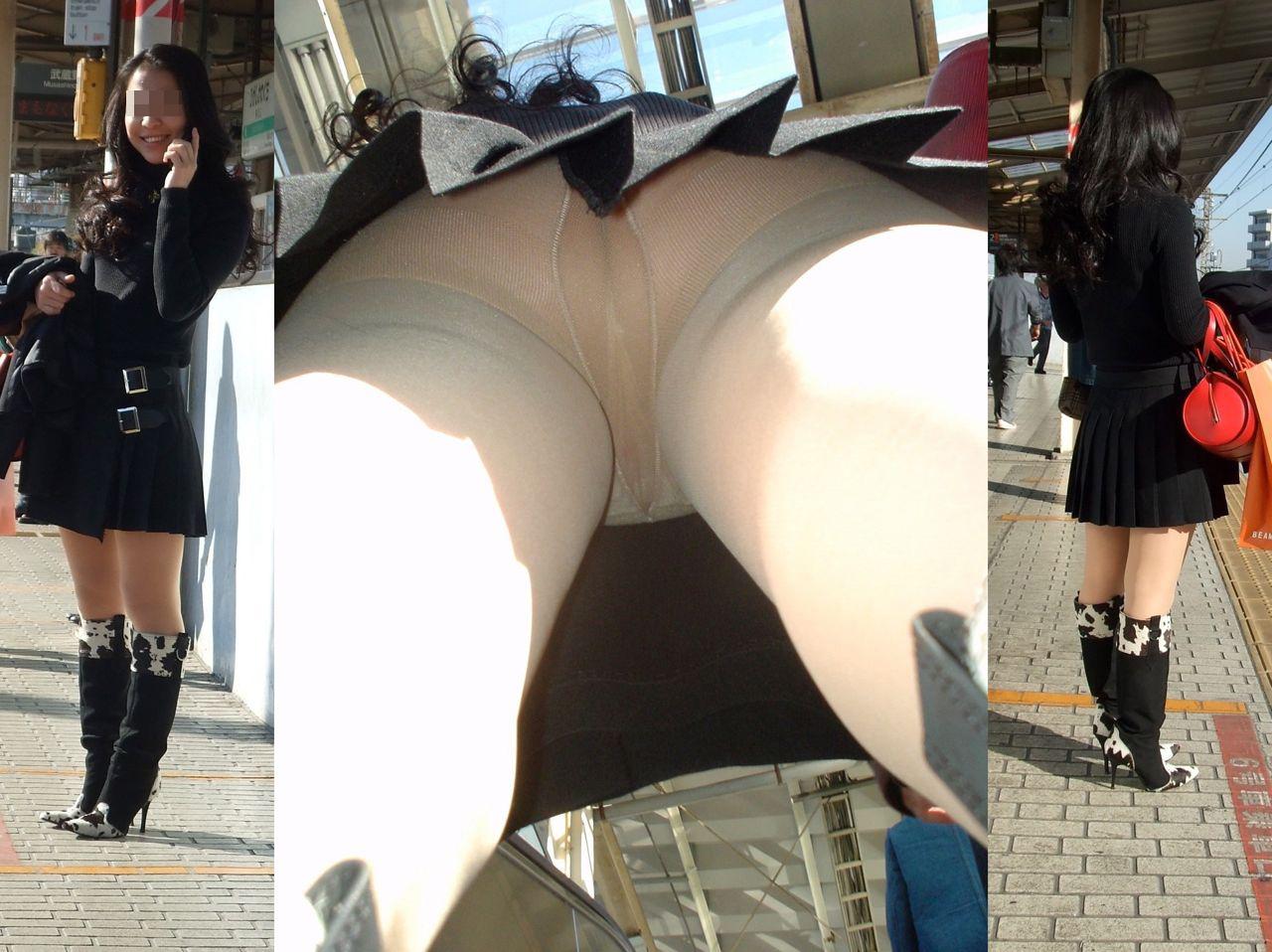【パンチラエロ画像】真似厳禁!隙だらけのスカートの真下に潜って逆さ撮り(;^ω^)