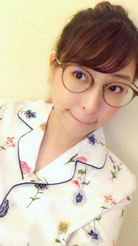 【秋山祥子エロ画像】イイ感じに熟れて来た美巨乳ボディお姉さん・秋山祥子!(;´Д`)