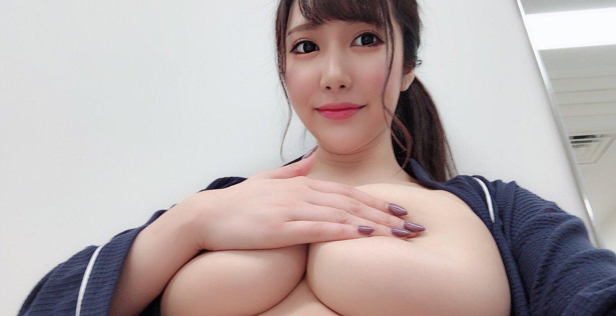 【若月みいなエロ画像】形も素晴らしいJカップ美爆乳の所有者・若月みいな!(;´Д`)