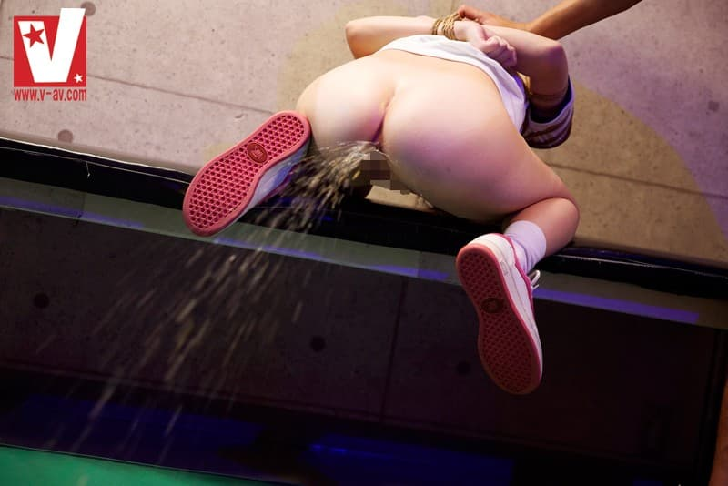 【浣腸エロ画像】大量注入の後は…浣腸責めからの汚ねぇジェット噴射(゚A゚;)