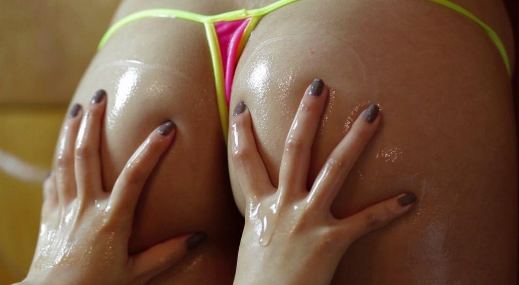 【Tバックエロ画像】美尻用下着or水着に認定されるべきTバック特集!(`・ω・´)