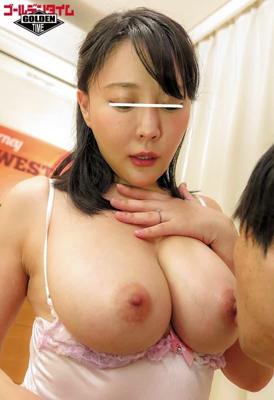 【愛撫エロ画像】硬くなるまで舐めて吸う!口で弄ばれる女の生乳首(´ε`;)