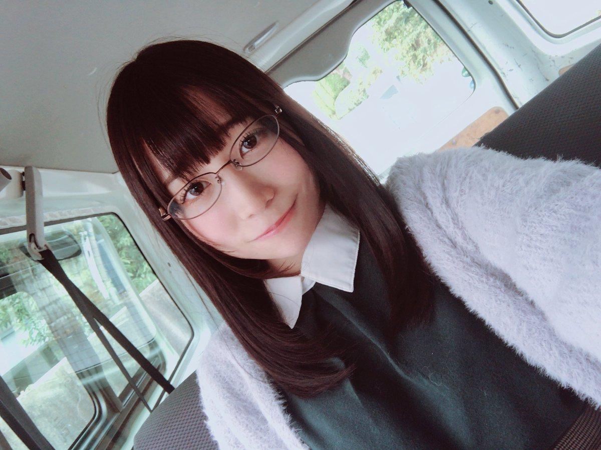 【富田優衣エロ画像】困った感じの表情がそそるドMアイドル・富田優衣!