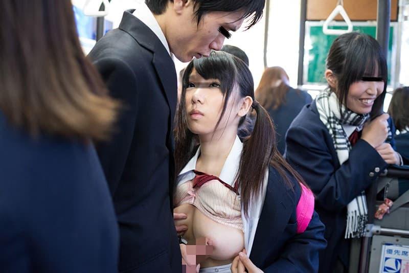 【コスプレエロ画像】似合うと強まる背徳感!JKコス着た女の子と…(; ・`д・´)