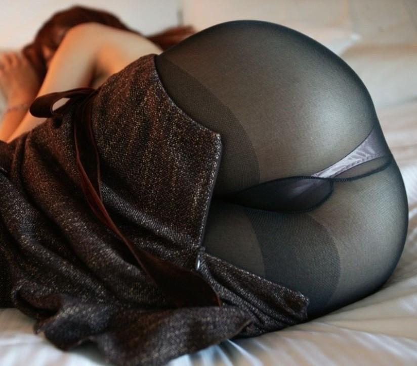 【パンストエロ画像】内側には濃厚な雌の香りが詰まったパンスト巨尻!(;・∀・)