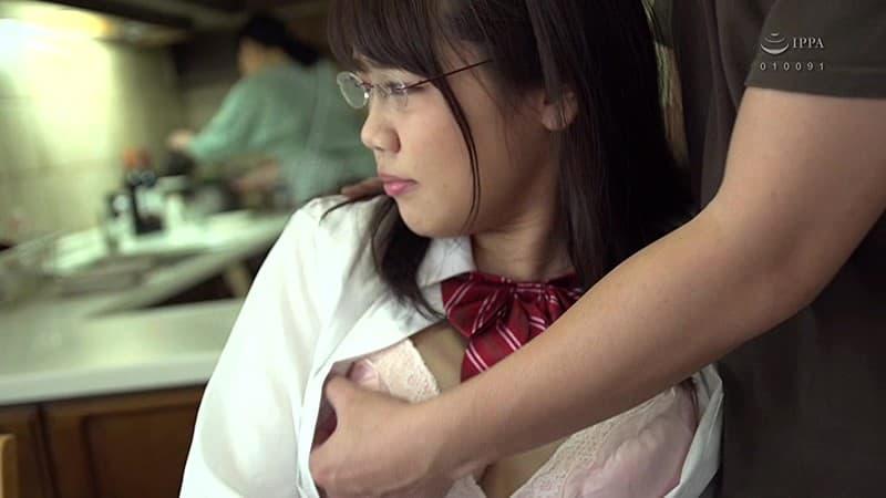 【持田栞里エロ画像】ムチムチ美巨乳ボディがそそる美少女・持田栞里!(;´∀`)
