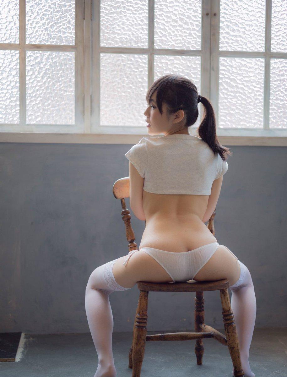 【コスプレエロ画像】会場にまでTバックで!?尻自慢するコスプレイヤー達(;゚Д゚)