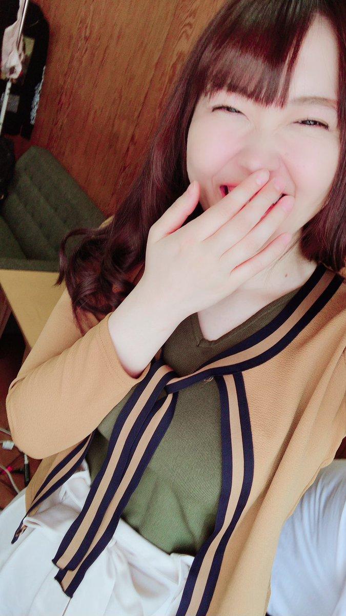 【新垣智江エロ画像】歌えて巨乳で長身ボディなお姉さん・新垣智江!(;´∀`)