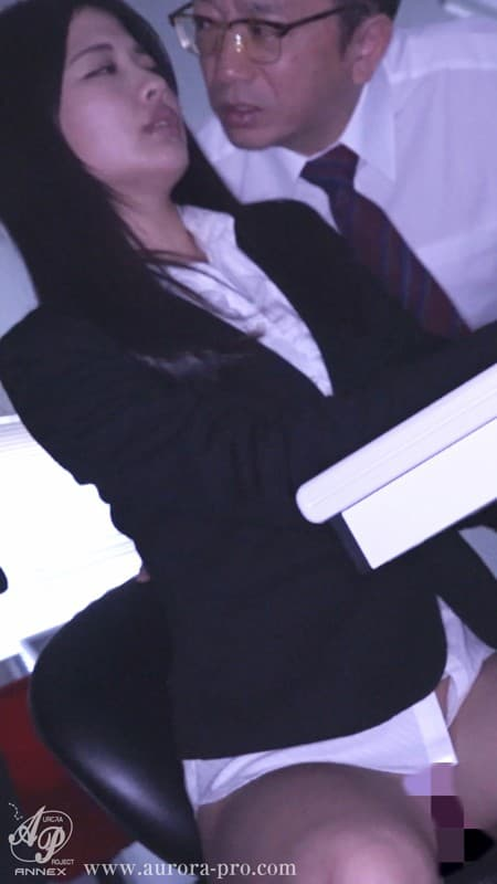 【水谷あおいエロ画像】コスプレ好きで潮吹き体質な元ナース・水谷あおい!(;´∀`)