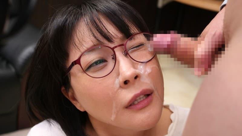 【眼鏡エロ画像】地味そうに見えて実はデキる人の多い眼鏡属性な淑女たち(;゚Д゚)