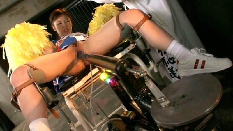 【玩具エロ画像】金賭けまくっただけの事はある破壊力wマシンバイブ拷問!(;゚Д゚)