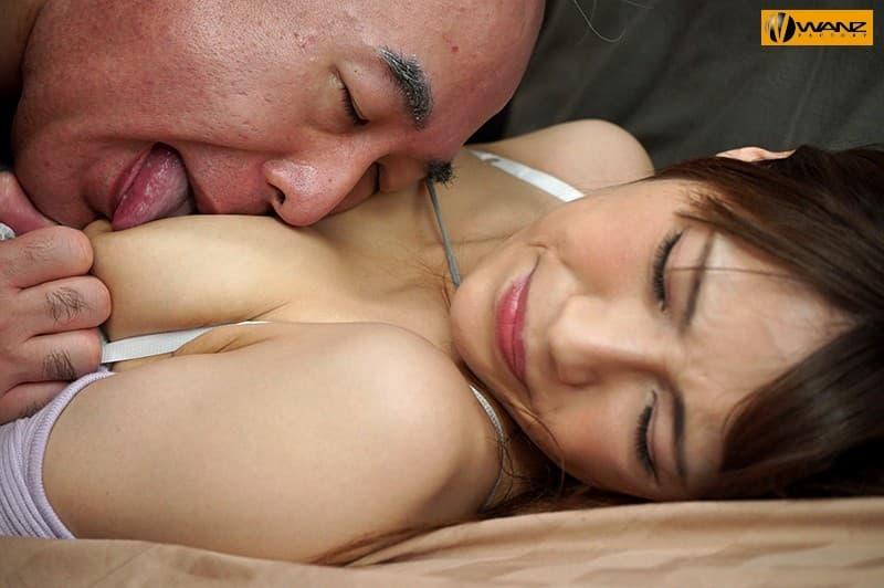 【日向うみエロ画像】美少女からセクシー巨乳美女へと変わった日向うみ!(;´∀`)