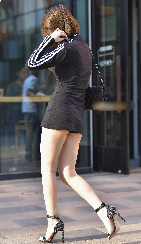 【着胸エロ画像】大きくてたゆんたゆん!街で目立ち過ぎな着衣おっぱい(;・∀・)