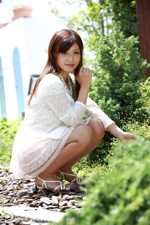 【さとう遙希エロ画像】ムチムチ巨乳で潮吹きクイーン・さとう遙希!(;´∀`)