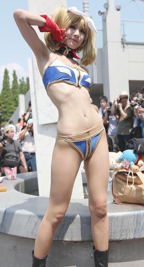 【コスプレエロ画像】イベントの熱気で汗まみれ?コスプレ女子の生腋(´ε`;)