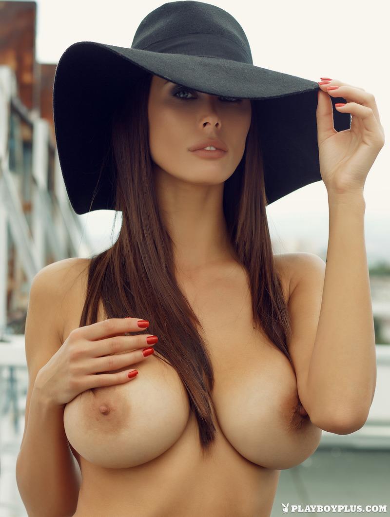 【巨乳エロ画像】とりあえず1発は経験をお願いしたい爆乳自慢な海外美女たち!