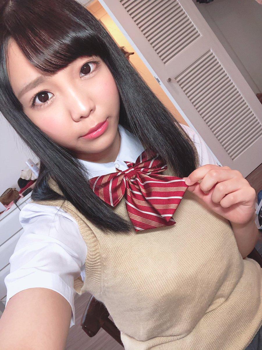 【稲場るかエロ画像】元アイドルで爆乳&パイパンな女の子・稲場るか!