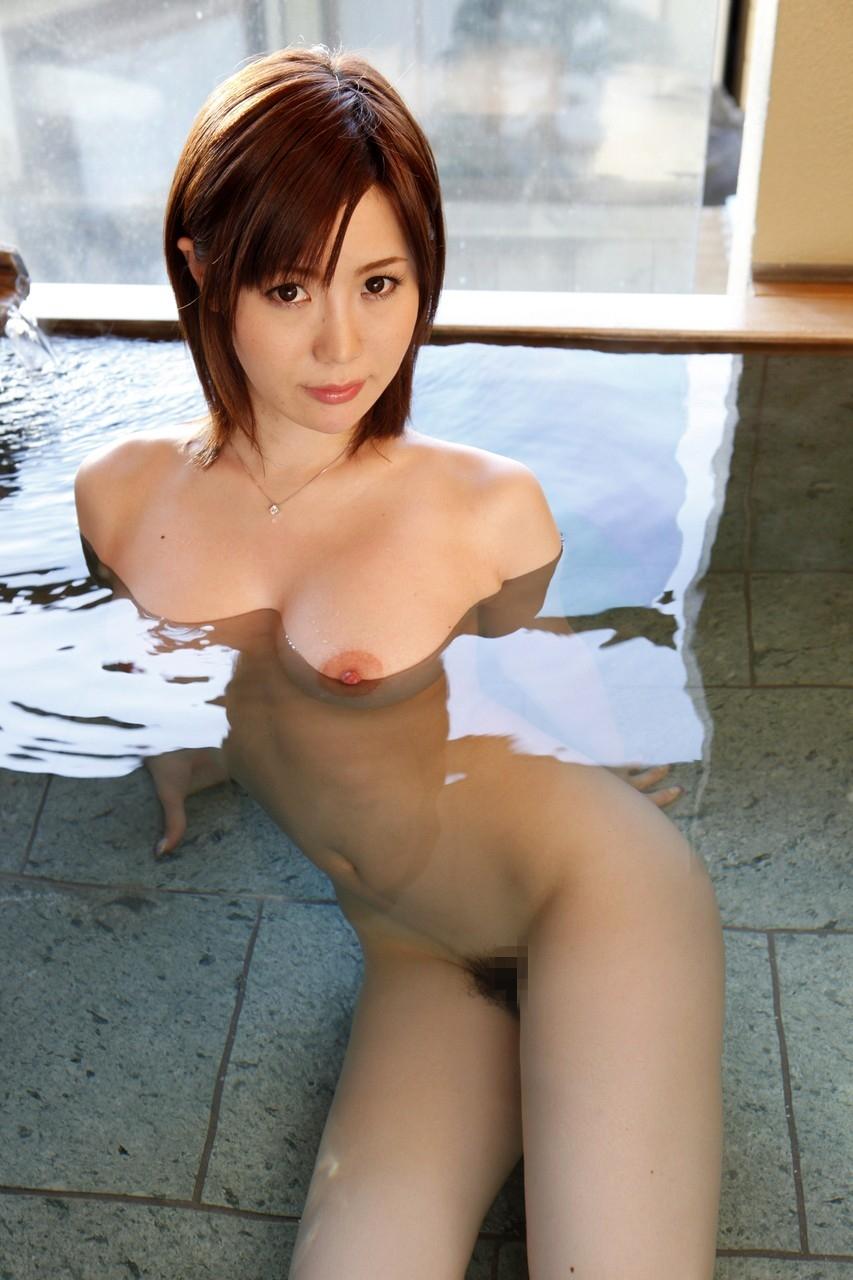 【入浴エロ画像】湯船でおっぱいをゆらゆらさせながら寛ぐお風呂の美女たち!