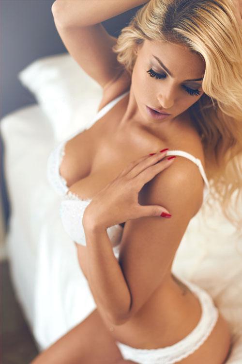 【下着エロ画像】セクシーレベルが高すぎな海外のランジェリー美女たち!