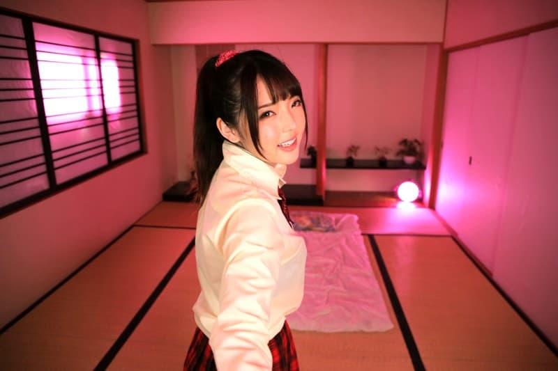 【御坂りあエロ画像】彼氏の推しでデビュー!?ぷっくり乳輪美少女・御坂りあ!