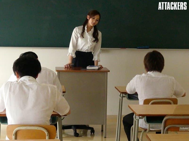 【柚月ひまわりエロ画像】究極クラスの美巨尻を持つ長身お姉さん・柚月ひまわり!
