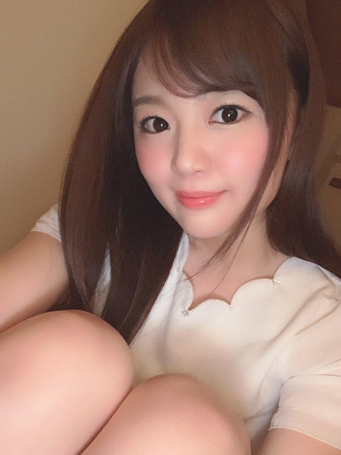 【結城ののエロ画像】超敏感で潮吹き体質な美白美乳ボディ女子大生・結城のの!