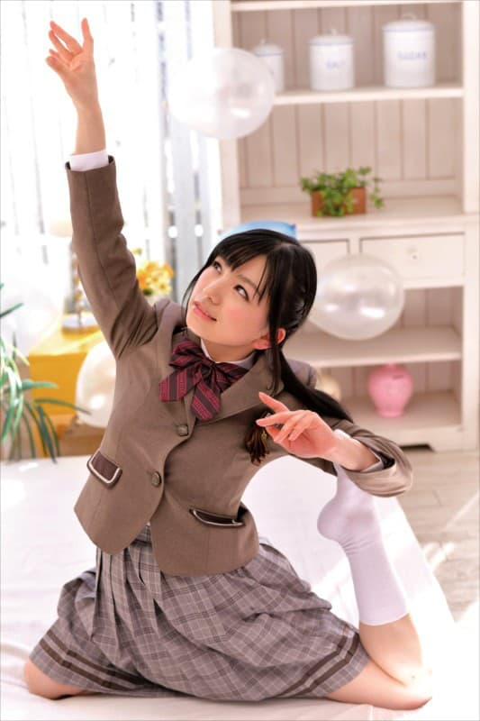 【白鳥すずエロ画像】ミニマムながら踊れる巨尻美少女・白鳥すず!