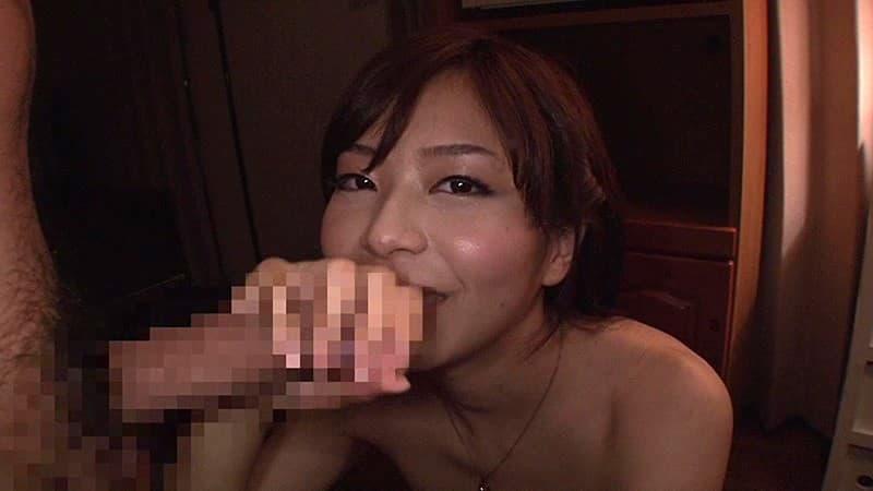 【青葉優香エロ画像】乳頭の存在感が半端ない巨乳お姉さん・青葉優香!