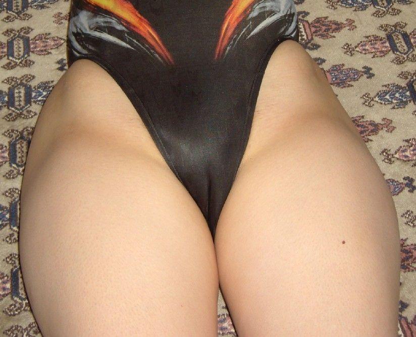 【マンスジエロ画像】皺が寄っただけではない筈な股間に浮かぶ一筋の…