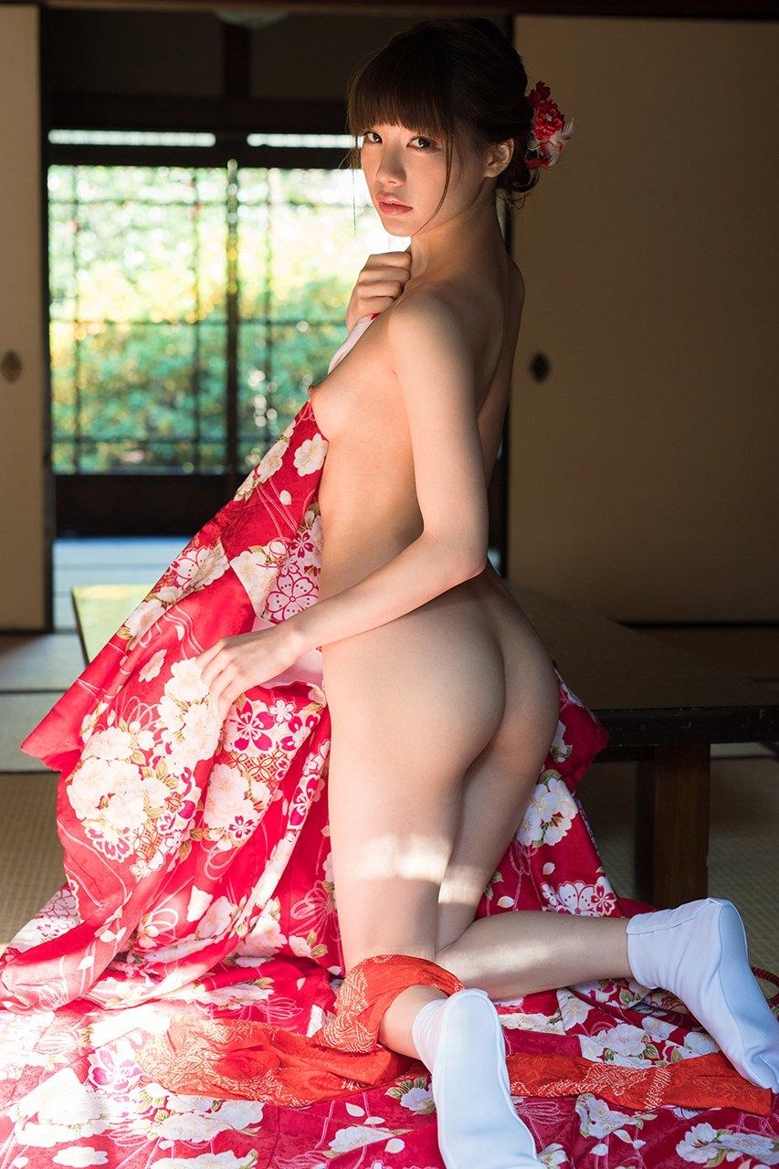 【美尻エロ画像】実りの良さと丸みが欲情を煽る理想的な女の美尻!