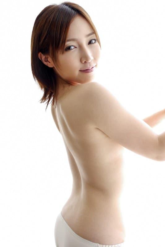 【美波ねいエロ画像】小柄でムチムチな元アイドル・美波ねい!