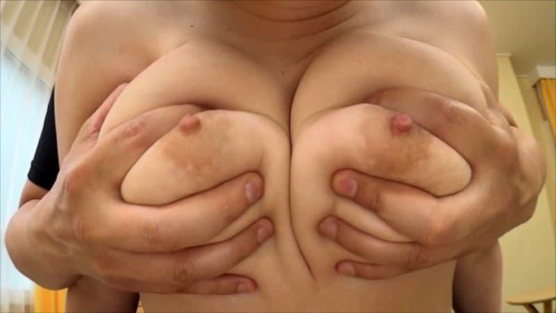 【月宮ねねエロ画像】Iカップにまで成長させた爆乳を持つムチムチ娘・月宮ねね!