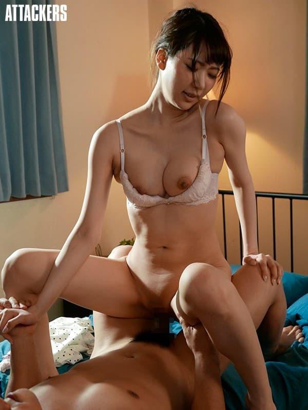 【新井優香エロ画像】パイパン巨乳で恥ずかしがり屋な元女子アナ・新井優香!