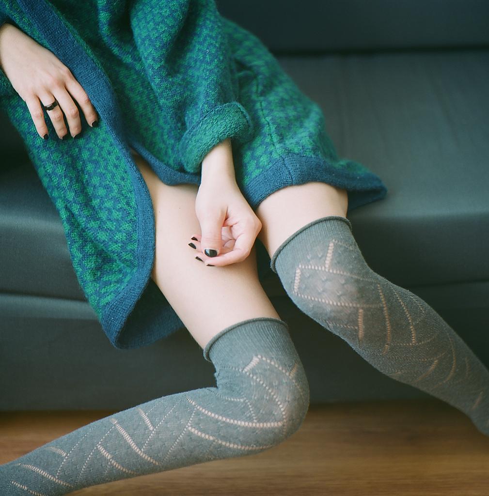 【太ももエロ画像】このムチムチに暖められたい…癒やしの太もも接写!