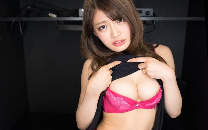 【七瀬ひなエロ画像】こう見えて賢い美形の今時ギャル・七瀬ひな!