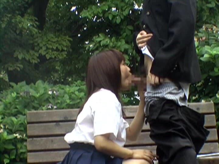 【青姦エロ画像】あくまでもAVの演出だから真似厳禁な野外セックス!