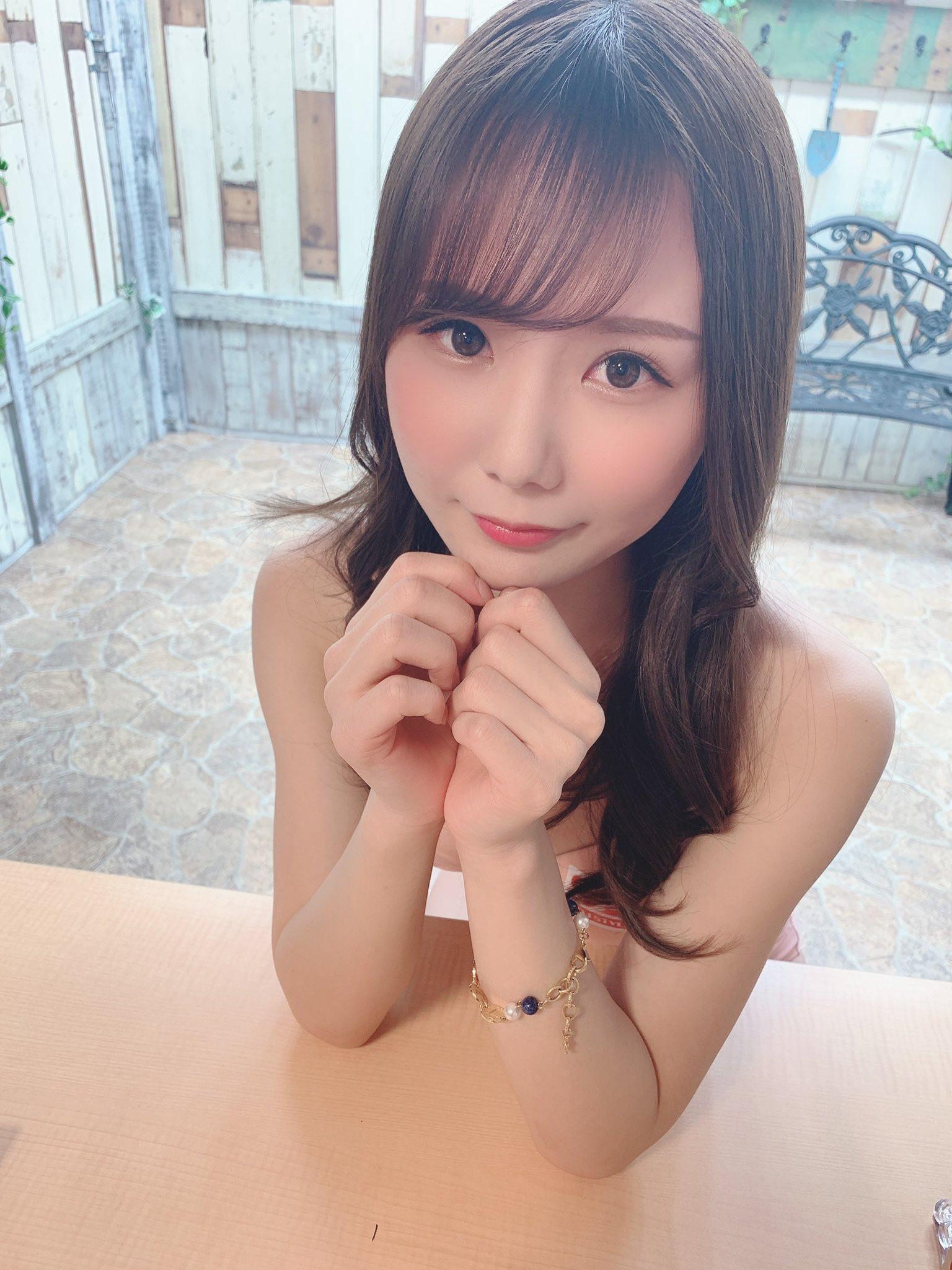 【坂道みるエロ画像】細腰で強烈グラインドを繰り出す美少女・坂道みる!