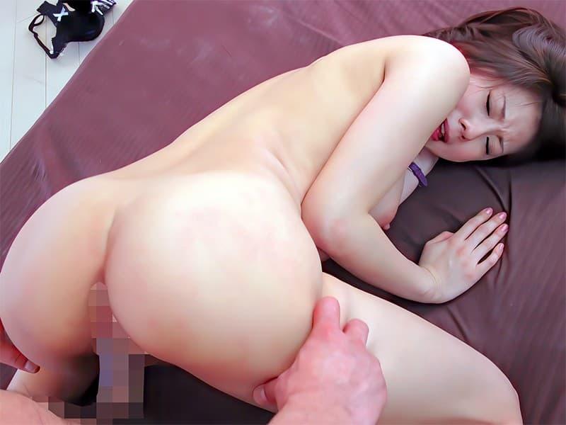 【性交エロ画像】突き出されたお尻にハメて突くだけでも超快感な後背位セックス!