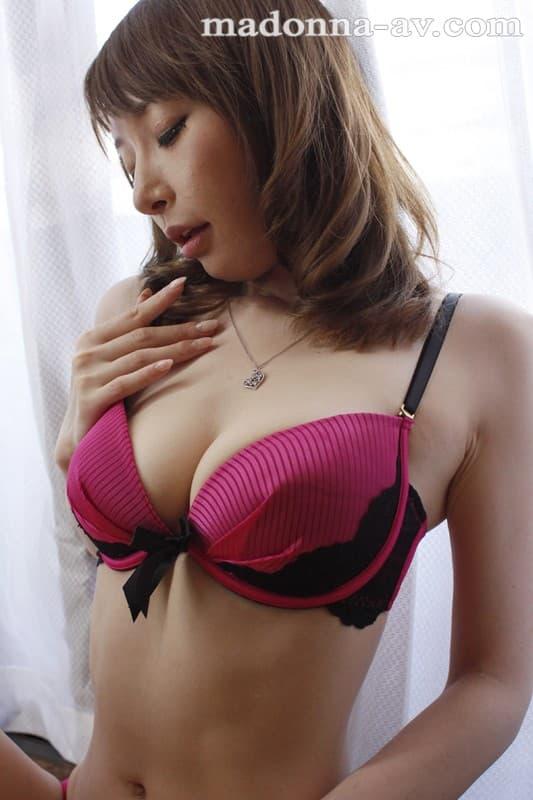 【芦名未帆エロ画像】すっぴんは極秘w美白巨乳の癒しお姉さん・芦名未帆!