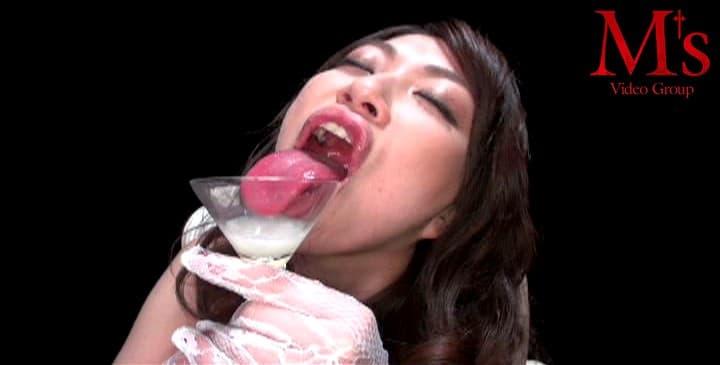 【星野あかりエロ画像】精飲も余裕な痴女のスペシャリスト・星野あかり!