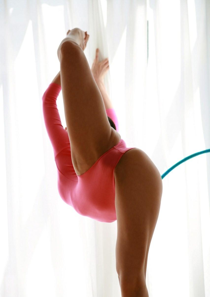 【軟体エロ画像】ヤッてみたい体位は?軟体美女たちの凄すぎポーズ色々