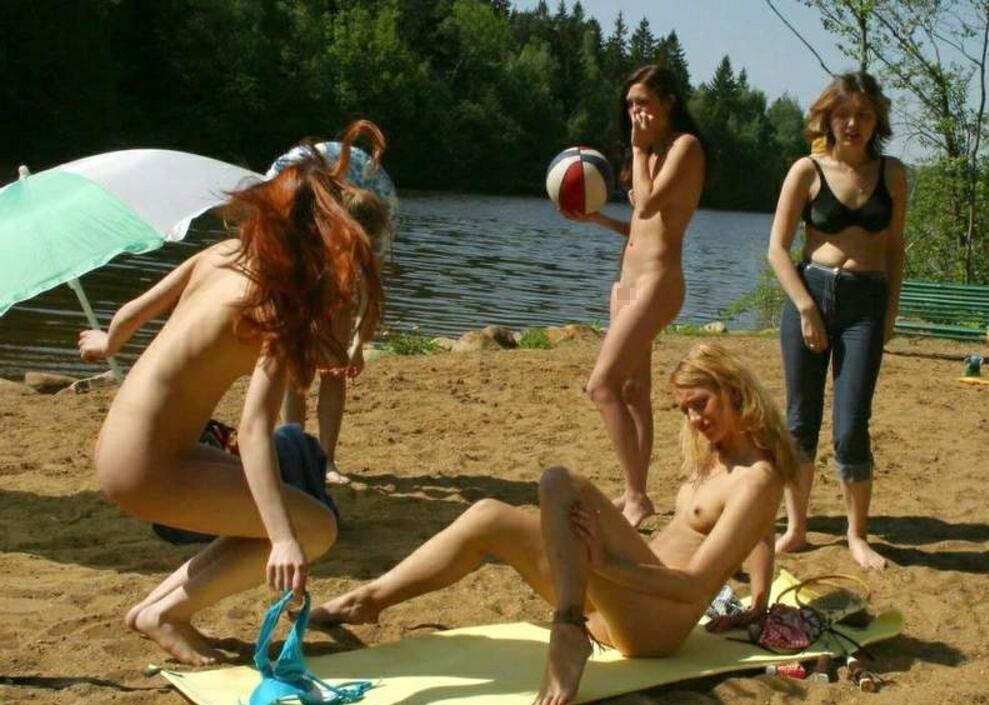 【海外エロ画像】まさにこの世の楽園…全裸美女だらけのヌーディストビーチ!