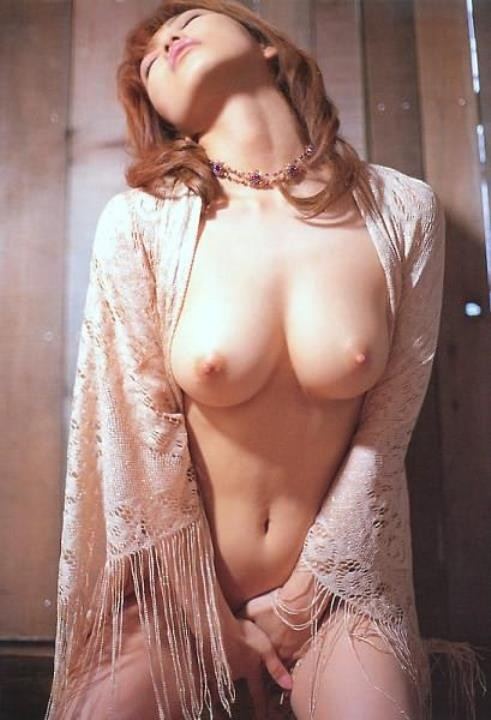 【オナニーエロ画像】己の肉体のみで大絶頂を目指す淑女の本気自慰!