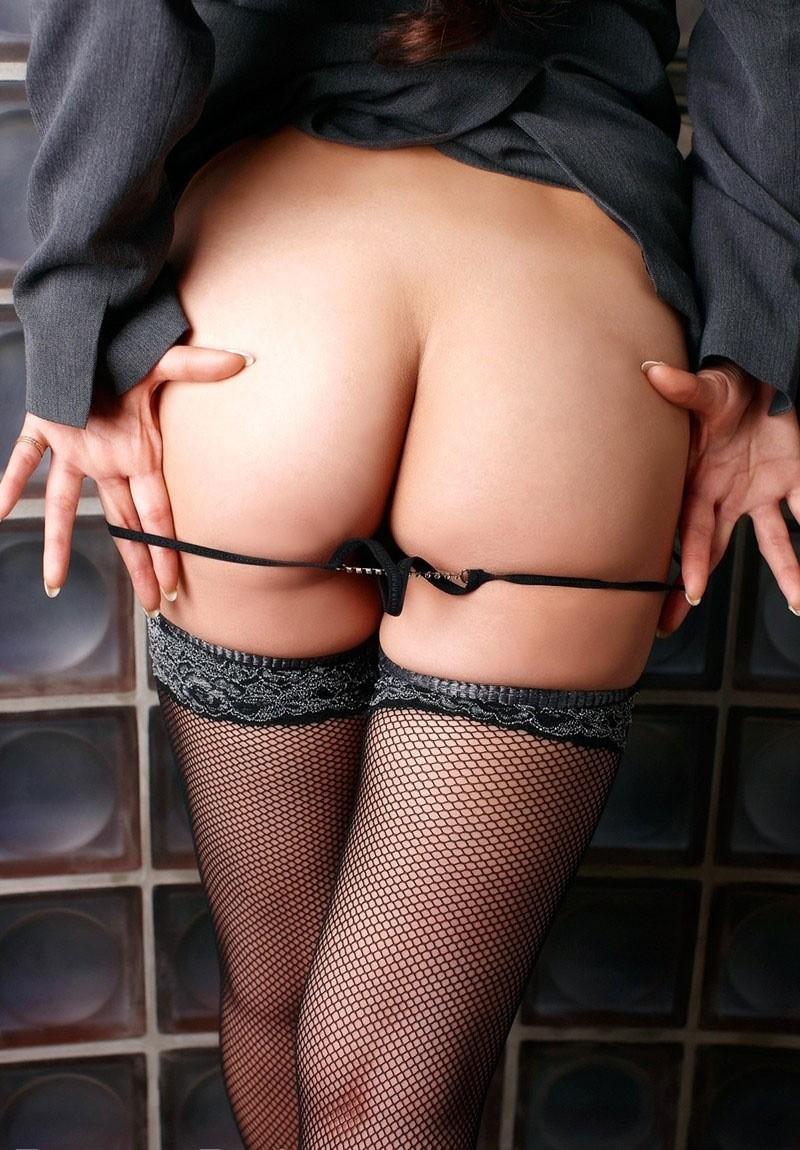 【美尻エロ画像】側に置いて愛で尽くしたくなる官能的な美尻!