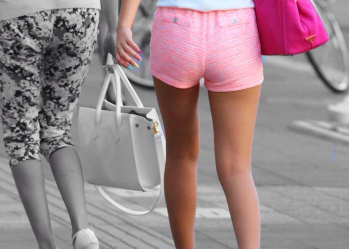 【NF】暑い日を涼しい気分にさせてくれる街角ショーパン美脚女子!-ショーパン
