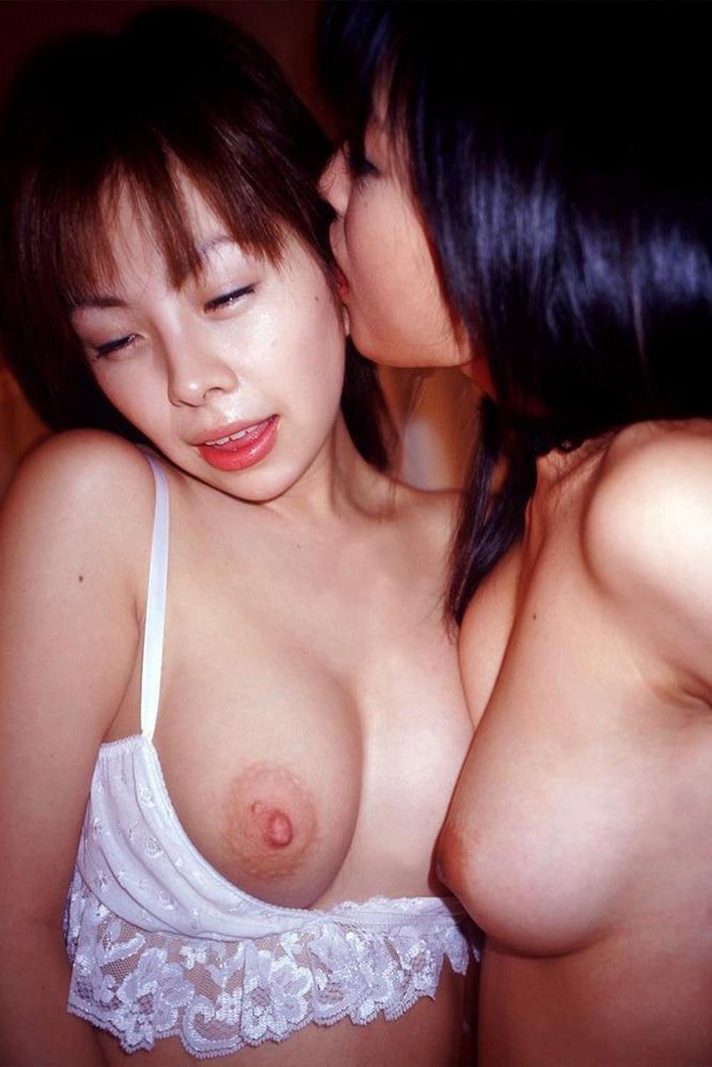 【レズエロ画像】男が介入する余地などない女の子同士の淫らな遊び!
