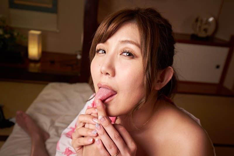【美泉咲エロ画像】癒やしと色香を兼ね備えたムチムチ人妻系・美泉咲!